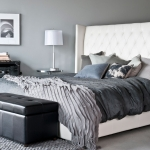 grey_and_white_bedroom